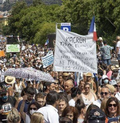 Demonstration against the pass sanitaire (health pass) in Nice